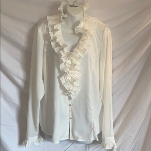 Beautiful Spense ivory ruffled blouse